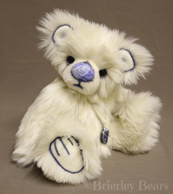 Introducing my latest bear 'Wisp'