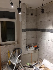Bathroom - tiling almost done