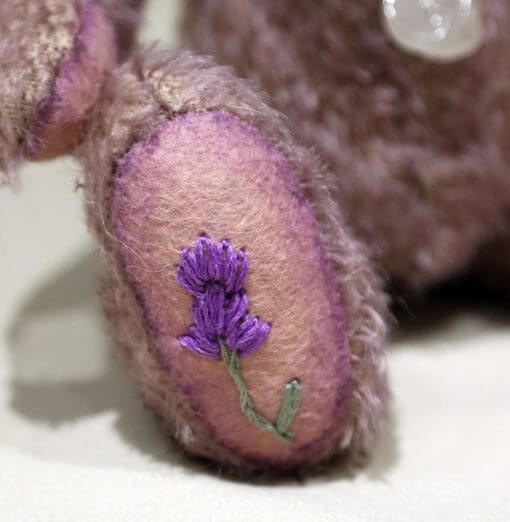 Olivia foot